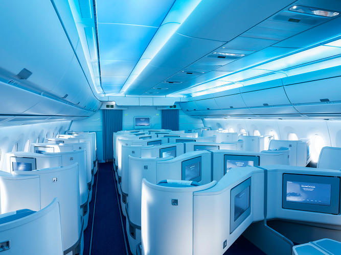 <p>Airbus couldn't point to specific studies about how much the lights can help reduce jet lag.</p>