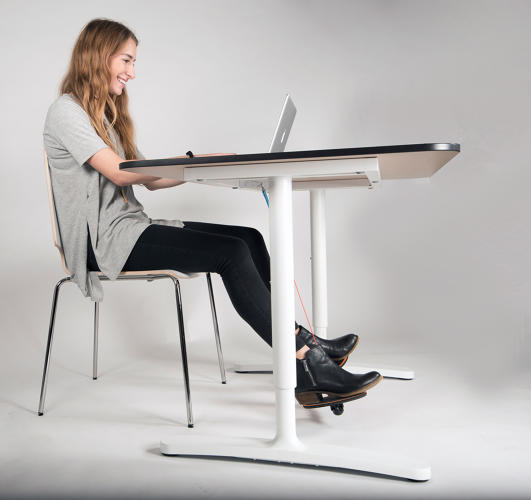 <p>Hovr floats your feet above the ground, so you naturally start to swing your legs and fidget more as you sit.</p>