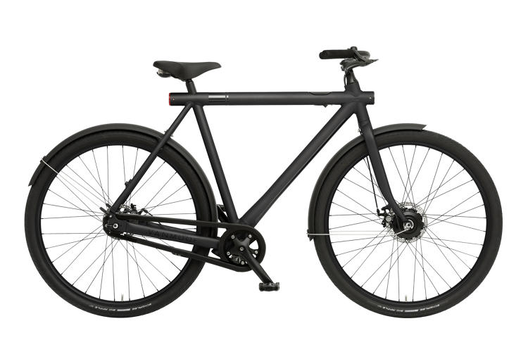 <p>At 40 lbs, the VanMoof Electrified S feels light and balanced, and it looks terrific.</p>