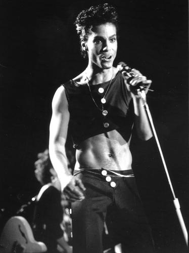 <p>Wembly Arena, 1986. By the time he released <em>Parade</em>, Prince was on to crop tops and bare midriffs, a look he could pull off like no other.</p>