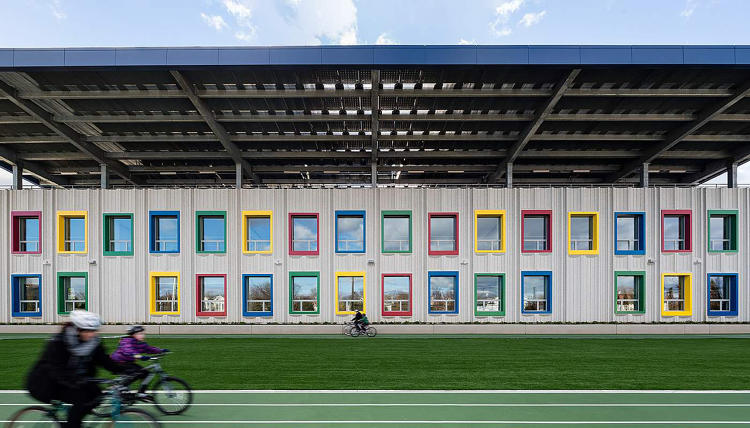 <p>The Kathleen Grimm School for Leadership and Sustainability at Sandy Ground Image courtesy SOM / © James Ewing | OTTO</p>