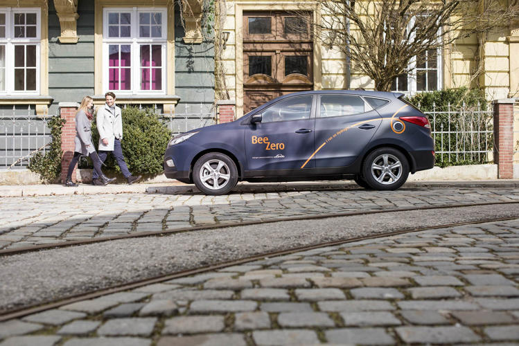 <p>Hydrogen cars are stuck in a chicken-and-egg problem, with not enough filling stations to create a real market for the cars (and vice versa).</p>