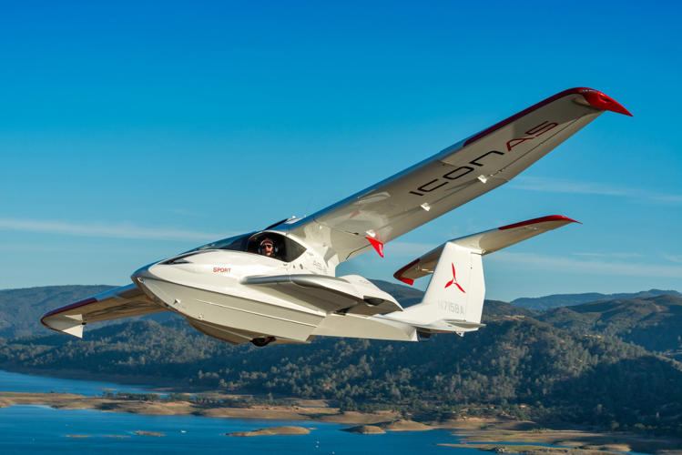 Icon A5 Flying Test Flying The...