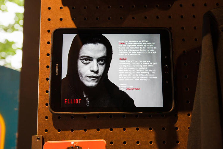 <p>The pop-up shop aims to build anticipation for <em>Mr. Robot</em>'s second season.</p>