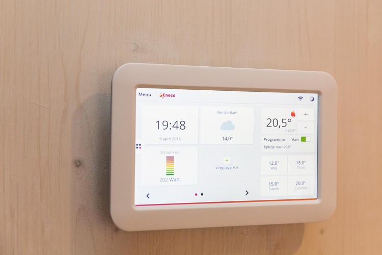 <p>Sensors make the house efficient.</p>