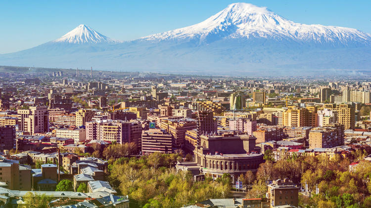<p>A recent economic upturn has begun filling Yerevan's cafes with remote workers.</p>