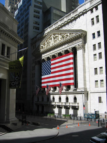 <p><em>New York Stock Exchange</em>, <a href=&quot;https://www.flickr.com/photos/rakerman/285869282/in/album-72157623741882523/&quot; target=&quot;_blank&quot;>© Richard Akerman</a></p>