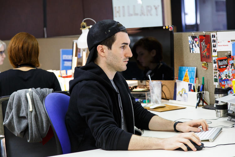 <p>The &quot;persuasion&quot; team designs emails and merchandise for the shop. Under Kinon, well-known designers have collaborated with the campaign on merch.</p>