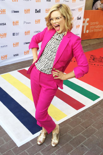 <p>Feeling my suit and flats on the red carpet</p>