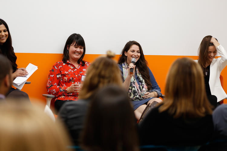 <p>Policy Genius CEO Jennifer Fitzgerald (left) sits next to founder of WayUp Liz Wessel (center) as she explains her process for cold emailing.</p>