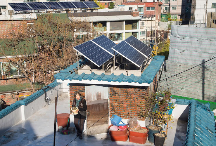 <p>Seoul's Energy Welfare Program tackles energy poverty and promotes energy saving and a sharing culture between businesses, civic groups and citizens.</p>