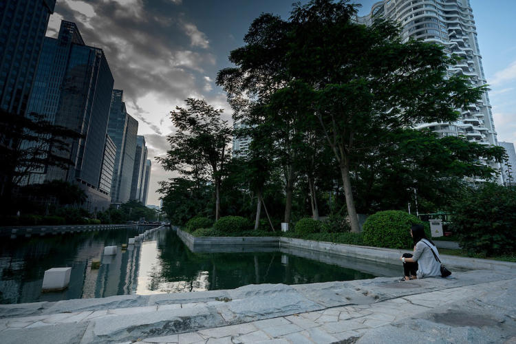 <p>Shenzhen was the first Chinese pilot city to launch an emissions trading scheme recruiting 636 enterprises to take part.</p>