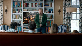 Paul Giamatti Goes Up Against A Film Buff Family For CenturyLink