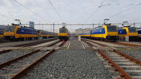 Dutch Railways' Electric Trains Now Run On 100% Wind Energy