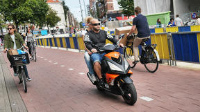 Dutch Cyclists Have Had It With Motorized Scooters Invading Bike Lanes