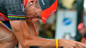 Lance Armstrong, Doug Ulman Thought The Livestrong Wristband Would Fail