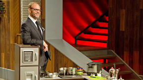 Alton Brown's Next Cooking Show Will Be Made For Facebook And Your Phone Screen
